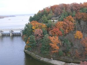 Starved Rock State Park and the Illinois River in the Autumn